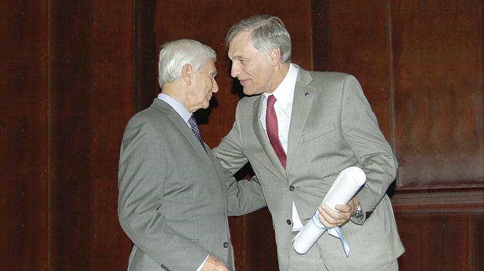 Premiado en Argentina uno de los consultores internacionales de Practicum Script